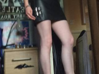 Thought i'd try my heels and show off a bit of leg and feet x