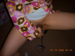 trying out my new dildo. is aweson