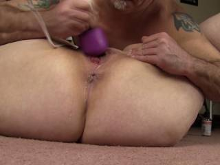 Awesome pic of her gorgeous hot pussy squirting its sweet juice mmmmm!