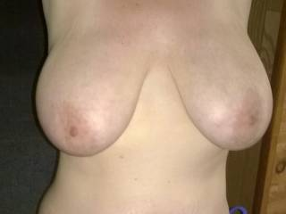 Ooohhh Yesssssssssssss I want to cum and play with your gorgeous big luscious tits giving them all the attention you and they so deserve!  -)