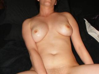 so close to cumming... I love to watch her face and body when she starts to cum. Whether she's playing with herself, me doing her or watching another man making her cum... OMFW makes me wanna cum again and again!!!!