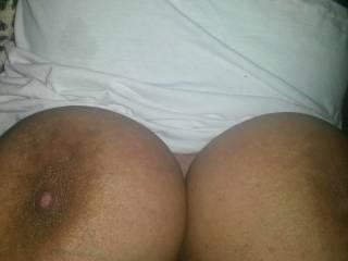Huge brown boobs