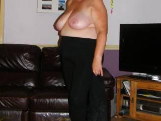 Super big tits, gorgeous body too.