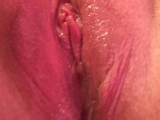 I massaged my pussy with aloe gel infused with lavender and rosemary oil - it felt amazing!!!! Tingling clit made me climax in no time - want to taste my pussy??? It's good enough to eat