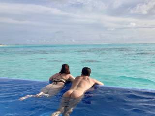 Would be great to have another couple here in the pool in Maldives