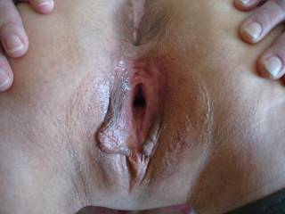 mmm damn i would love to feel your lil soft lips wrapped around the head of my throbbing cock as you cum
