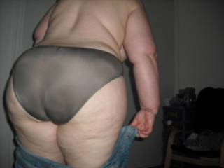 OH HELL YES!! I gotta have this hot BBW,this is the best pic ever,great body and I wanna fuck it!!