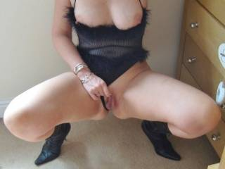 Love a woman that can squirt.  How about with my tongue or the head of my cock???