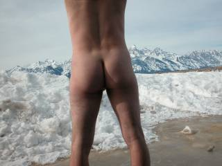 I love the thrill of being naked outdoors!