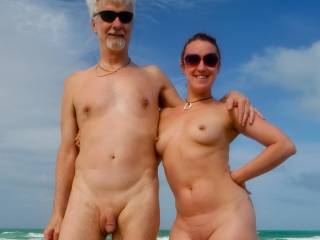 man, wish i could be on a NUDE beach, to meet some girl like that,lucky!!