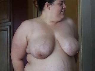 very nice I so love bigger girls if I was their I would not beable to keep myself off her fat hot body