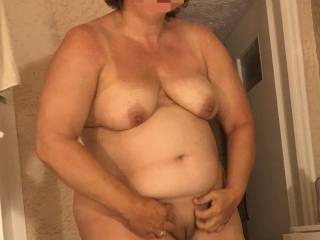 BBW Nat showing her shaved pussy