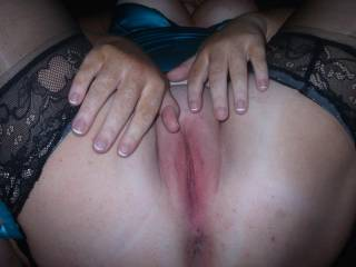Mmm. A nice juicy pussy. Can I fuck your pussy?