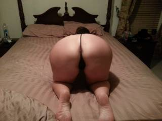 I can imagine how smooth & slippery it feels like spreading your pussyhole in that position . . .  Would become an ass-kisser besides other things