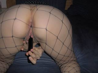 What a tasty pussy! I would spray a big load on your classy ass while you rubbing your pussy...