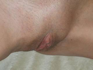 Id love to make her horny! Id love to cum on that sweet pussy xx