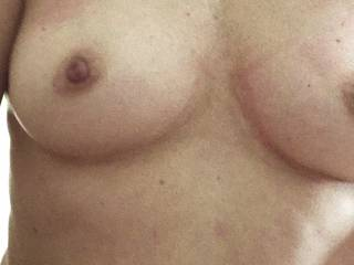 perky tits !!!! you like how they look?? art saggy??
