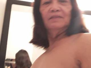I love showing my old saggy filipina tits