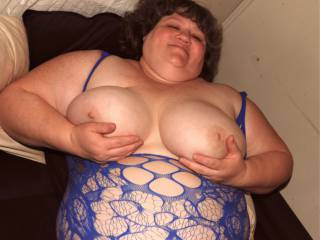 I\'m getting my nipples excited with some tweaking to help get my nether regions warmed and wet for some fun. Who wants to give a hand on the big full tits ?