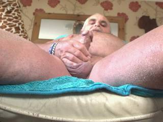 Relaxing,and still looking for a good Kentish girl to cum and help me to stay hard,then join me on the beach.   Bob