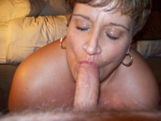 BBW Fairbanks suck machine...its about ready to blow a nice big load on her face