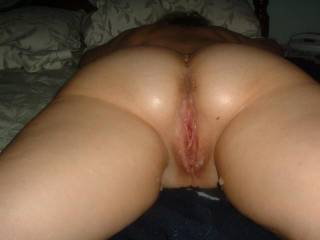 Very beautiful and sexy.  My tongue would sure love to work on you delicious looking wonderful pussy an then my fingers and cock.