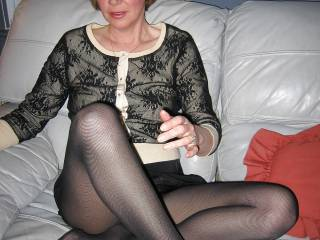 Oh yes a fine sexy mature lady I love to do some photos and videos with you sexy Mmmmmm