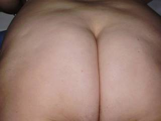 Why no video clips featuring that attractive ass? I'm sure it would get plenty of votes from us ass-lovers!