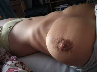 Just a few pictures of a gorgeous set of breast on a mature woman I had the pleasure of spending time with early last year