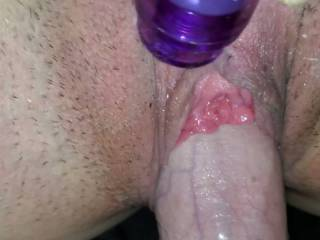 My chick has the nicest pussy, so I thought I\'d show the world what a lucky man I am. Her playing with her viberator while I dig it out and the end she cuts hard. She is a good girl