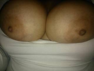 very nice big tits and nice suckable nipples