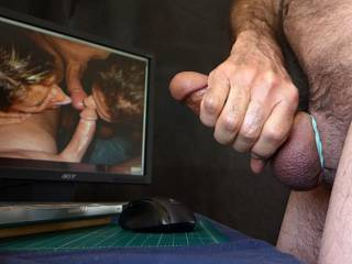 From an unedited video. I was playing, looking at stills of Zoig people and some solo porn clips. I LOVE OzSunCouple's pictures. Their threesome and foursome photos are quite hot, I think. Mrs. Oz is lovely. Her ass (obviously not seen here) is gorgeous.
