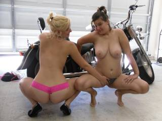 I bet it is sooo hot seeing those big titties swinging when your fucking her from behind!