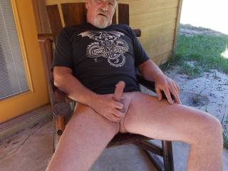 Would love to sit on that hard cock and ride it hard !!
