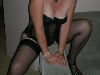 mmmm...looking very horny there, would have loved to cum across you when you were on the gold coast.....   keep the pics of this hot woman coming...
