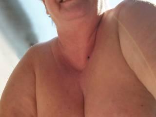 amateur outdoor boobs