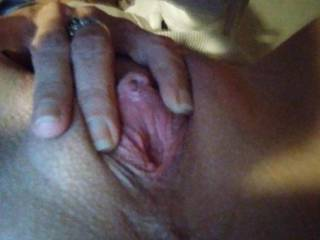 Who doesn\'t like a pretty little pink pussy n clit