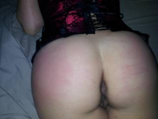 Very inviting ass. I wanna ride it!