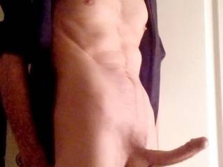 You have such a hot sexy body ..... would love to be on my knees for that throbbing big cock !!