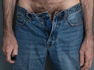 Some of my favorite photos are of beautiful women wearing jeans (see ilovedoggystyle1's profile for some very hot examples). In the forums, SensualSage recently expressed a similar interest in seeing pictures of men in jeans.