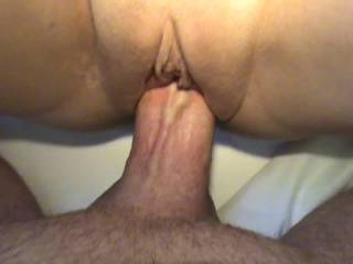 Filling M\'s cunt with cum. Then she pushes the cum out on my cock and I push it back in. So fucking sexy!