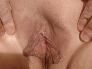 Here\'s a peek of jaynines phat juicy pussy all cleaned shaven and wet. Ready for some cocks and tongues...