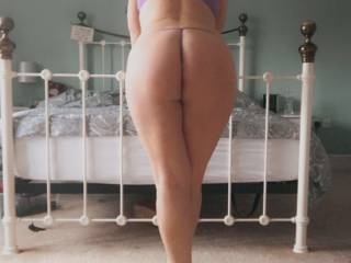 I like big butts and I can not lie You other brothers can\'t deny That when a girl walks in with an itty bitty waist And a round thing in your face  😵🍑🤪💋