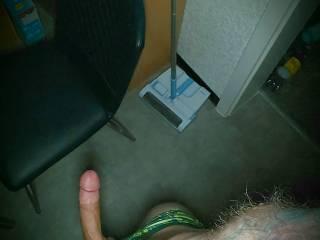 I need a wet and horny pussy!