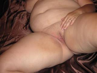Me please i really would like to fuck that gorgeous body,her huge tits are so suckable, her soft belly is lovely and her fat pussy looks so tasty