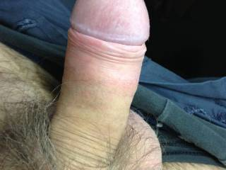 A very nice cock head! I would love to suck it!!