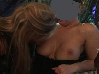 I go to the bathroom for 5 min an my wife is sucking a tit