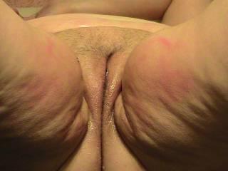 Mmmmmmm nice wet pussy, I would love to eat you sweetie. Rav