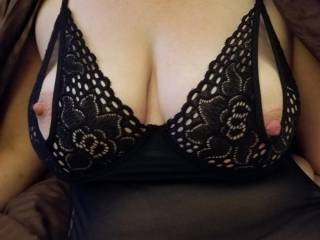 Taking some pics in my new lingerie. enjoy