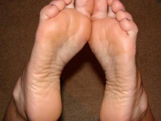 i'm a great foot lover and i can tell yu that these soles are great and very sexy.Can yu post or send me other pics?